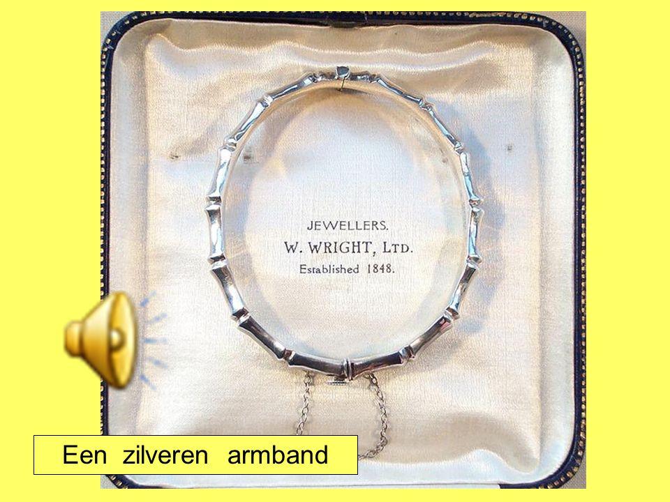 Een zilveren armband