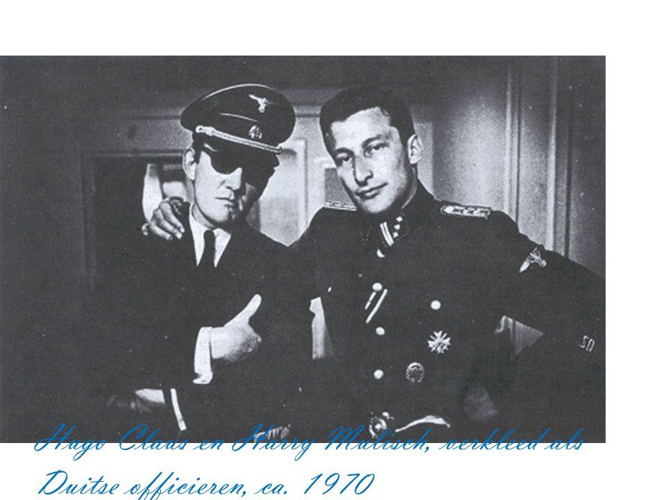 Hugo Claus en Harry Mulisch, verkleed als