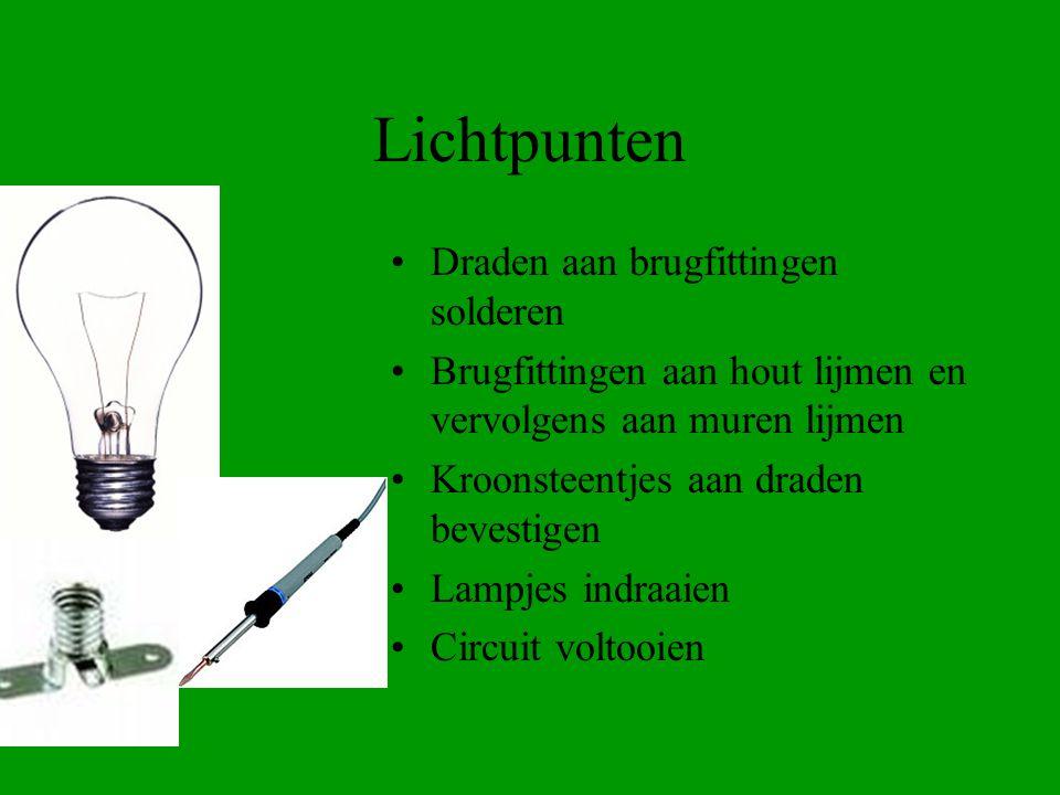 Lichtpunten Draden aan brugfittingen solderen