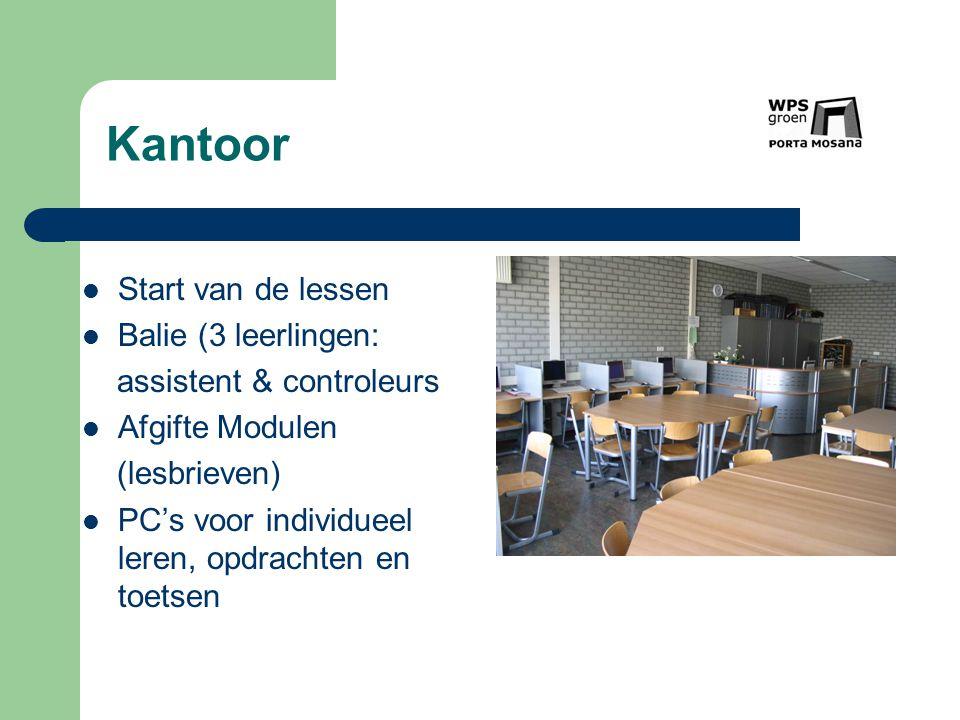 Kantoor Start van de lessen Balie (3 leerlingen:
