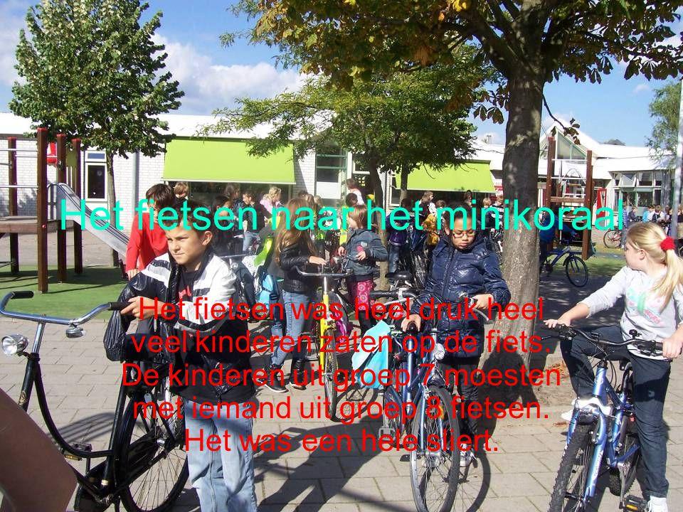 Het fietsen naar het minikoraal
