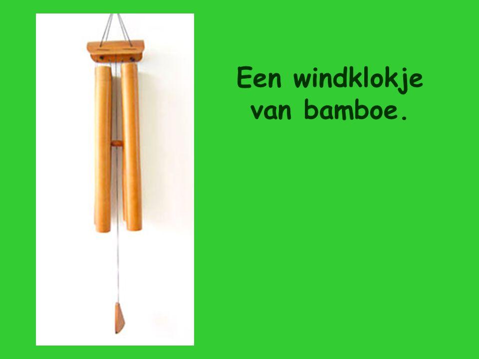 Een windklokje van bamboe.
