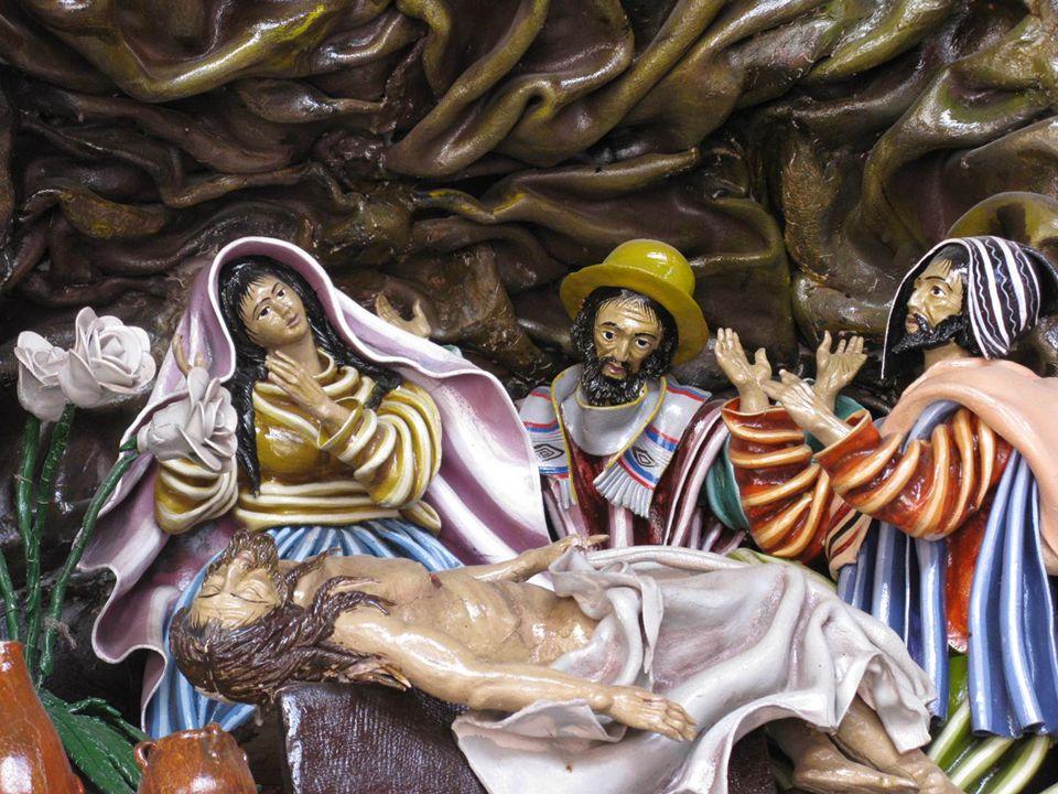Jozef van Arimatea koopt een linnen doek, neemt samen met andere mensen Jezus van het kruis af en wikkelt Hem in het linnen. Jezus wordt in een graf gelegd dat in de rotsen is uitgehouwen. Men rolt een grote steen voor de ingang. De vrouwen kijken toe waar Jezus neergelegd wordt. Iedereen is bedroefd.