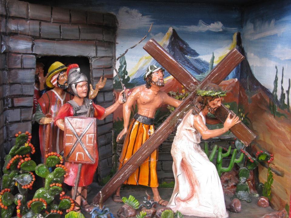 Jezus krijgt eerst een paars kleed aan