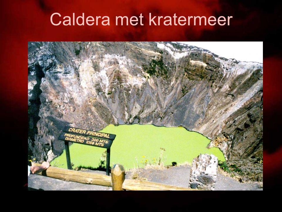 Caldera met kratermeer