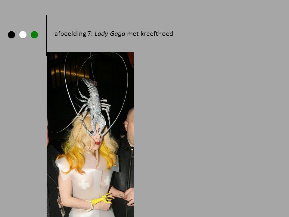 afbeelding 7: Lady Gaga met kreefthoed