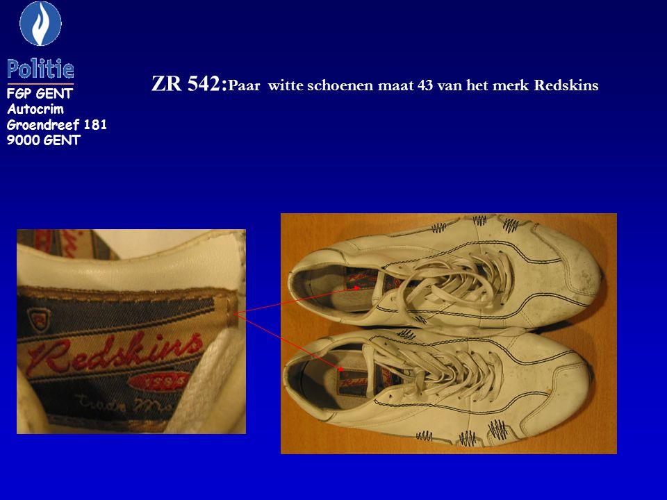 ZR 542:Paar witte schoenen maat 43 van het merk Redskins