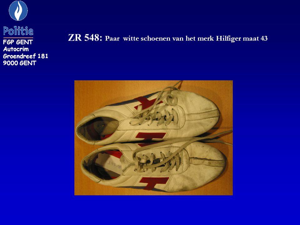 ZR 548: Paar witte schoenen van het merk Hilfiger maat 43