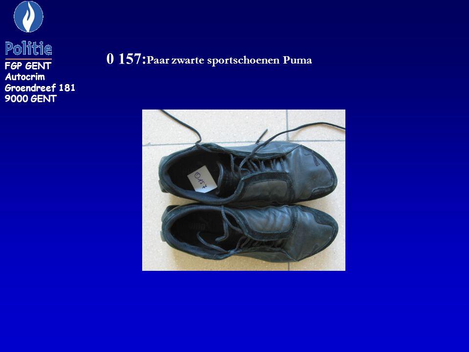0 157:Paar zwarte sportschoenen Puma