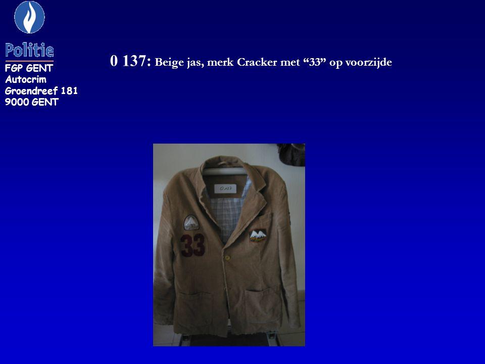 0 137: Beige jas, merk Cracker met 33 op voorzijde