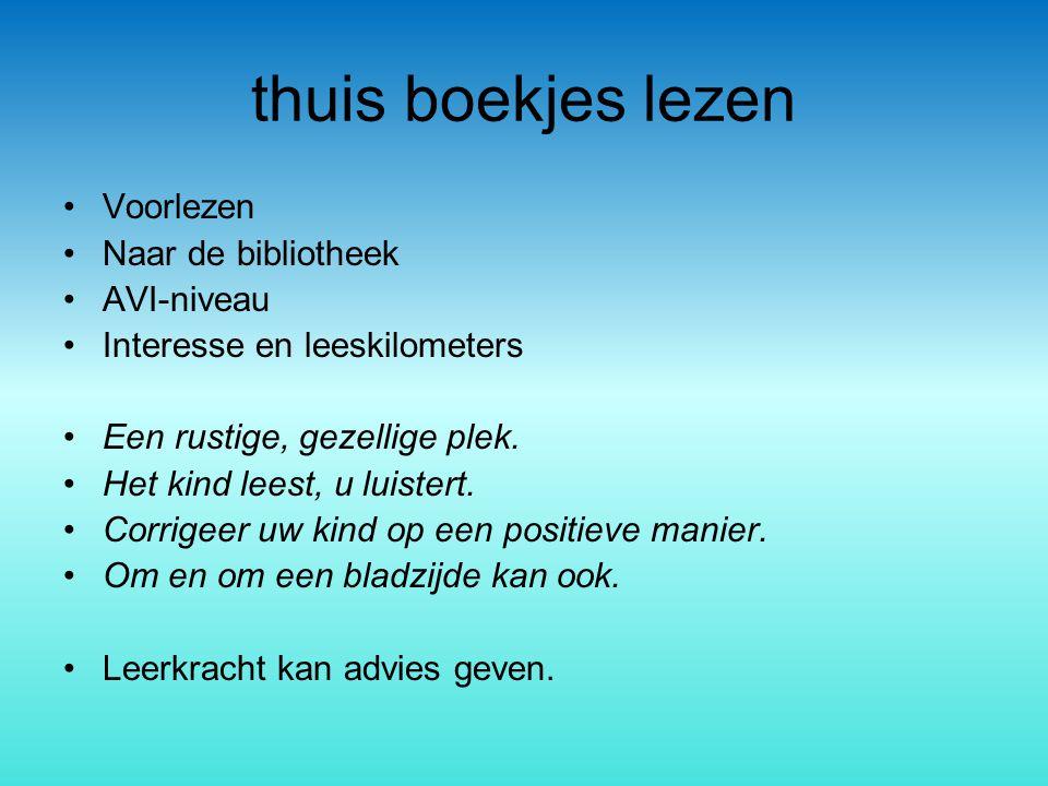 thuis boekjes lezen Voorlezen Naar de bibliotheek AVI-niveau