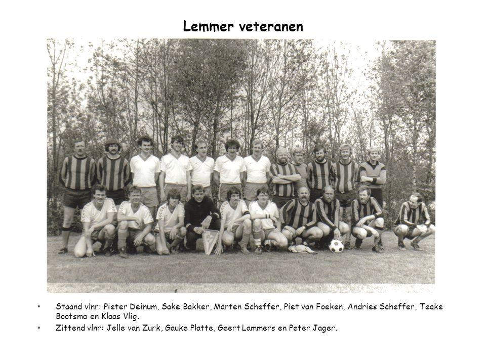 Lemmer veteranen Staand vlnr: Pieter Deinum, Sake Bakker, Marten Scheffer, Piet van Foeken, Andries Scheffer, Teake Bootsma en Klaas Vlig.