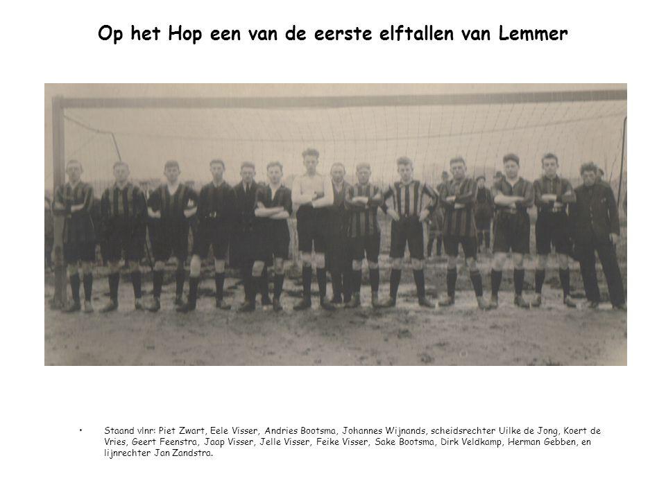 Op het Hop een van de eerste elftallen van Lemmer