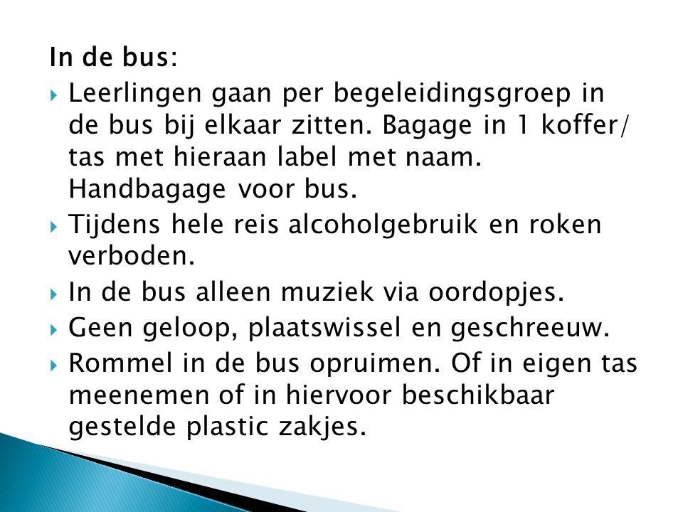 In de bus: