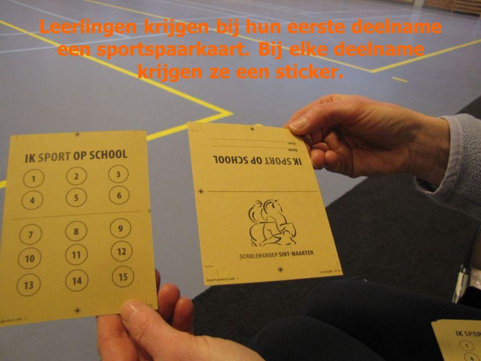 Leerlingen krijgen bij hun eerste deelname een sportspaarkaart