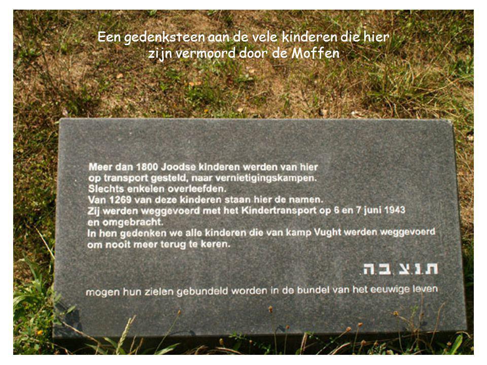 Een gedenksteen aan de vele kinderen die hier zijn vermoord door de Moffen
