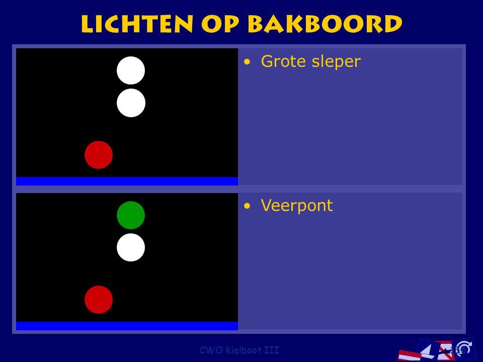 Lichten op bakboord Grote sleper Veerpont CWO Kielboot III