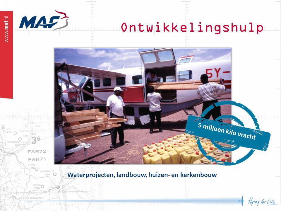 Waterprojecten, landbouw, huizen- en kerkenbouw