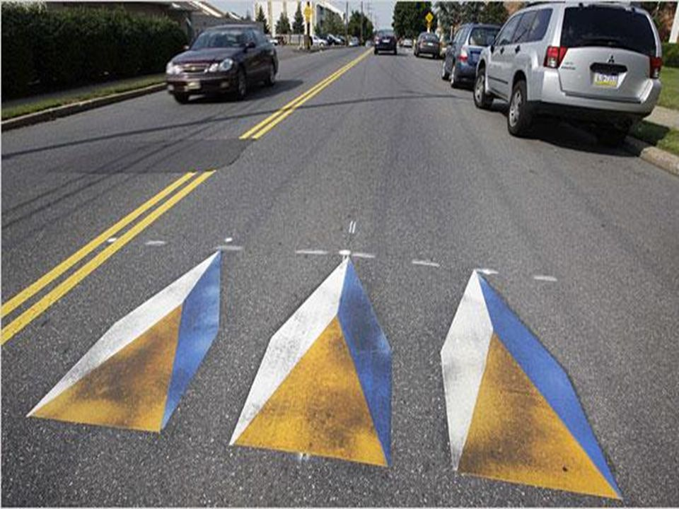 In het verkeer zie je veel nudges die ons rijgedrag beïnvloeden