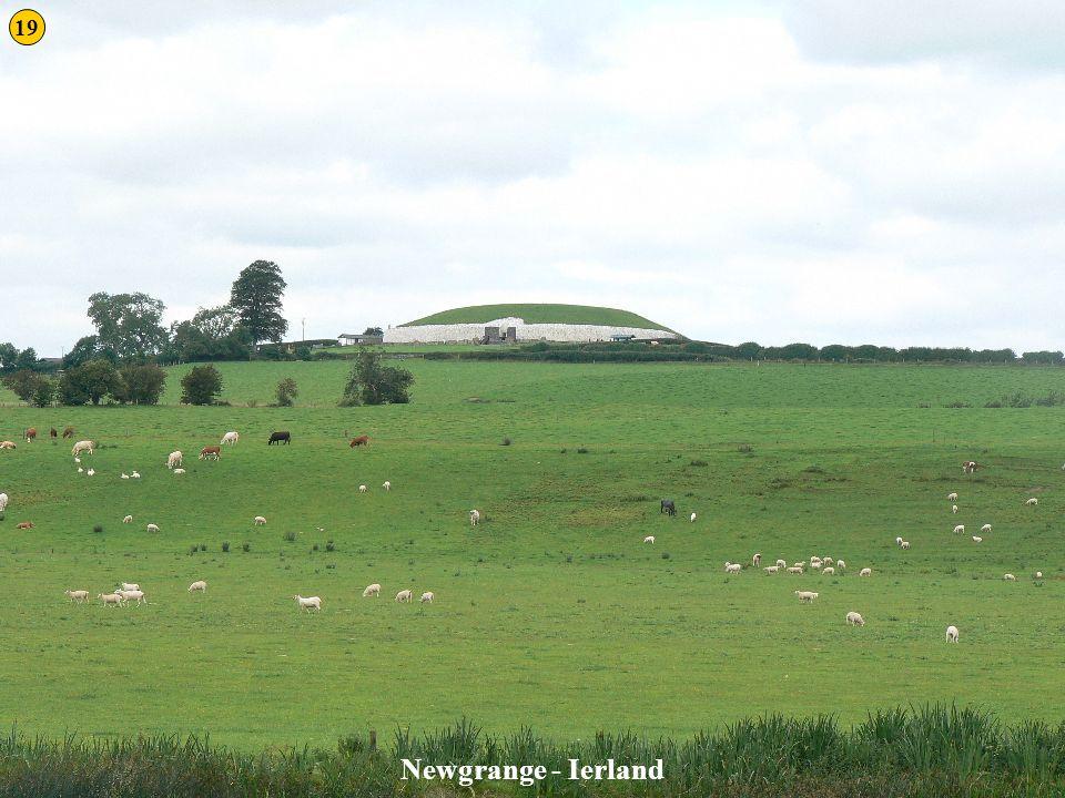 19 Newgrange 1 Newgrange - Ierland