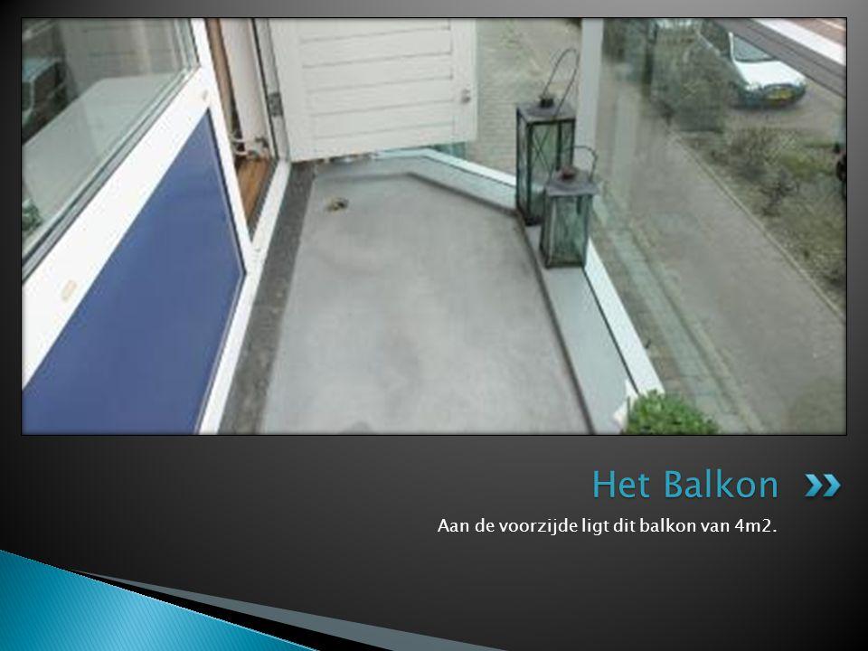 Het Balkon Aan de voorzijde ligt dit balkon van 4m2.