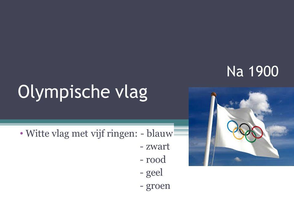 Witte vlag met vijf ringen: - blauw - zwart - rood - geel - groen