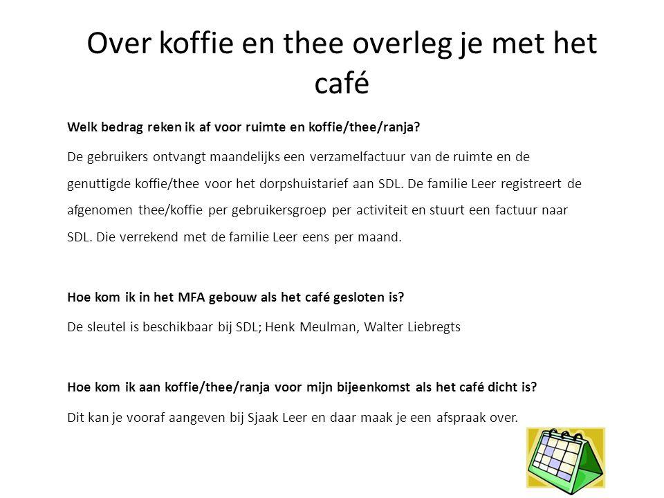 Over koffie en thee overleg je met het café