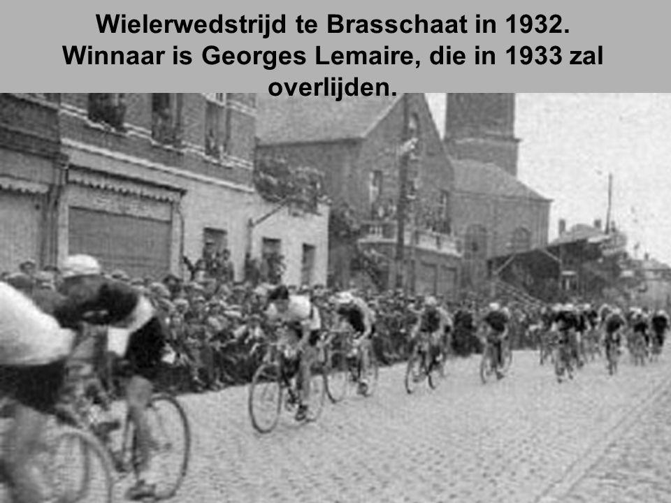 Wielerwedstrijd te Brasschaat in 1932.
