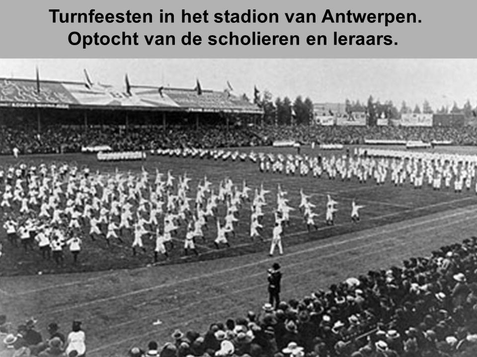 Turnfeesten in het stadion van Antwerpen