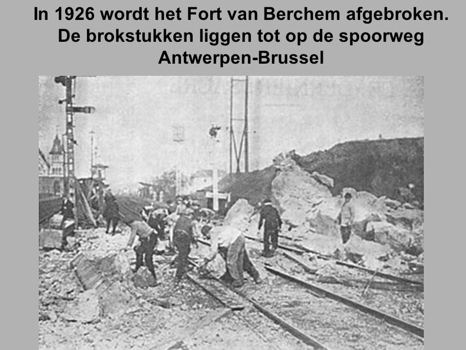 In 1926 wordt het Fort van Berchem afgebroken.
