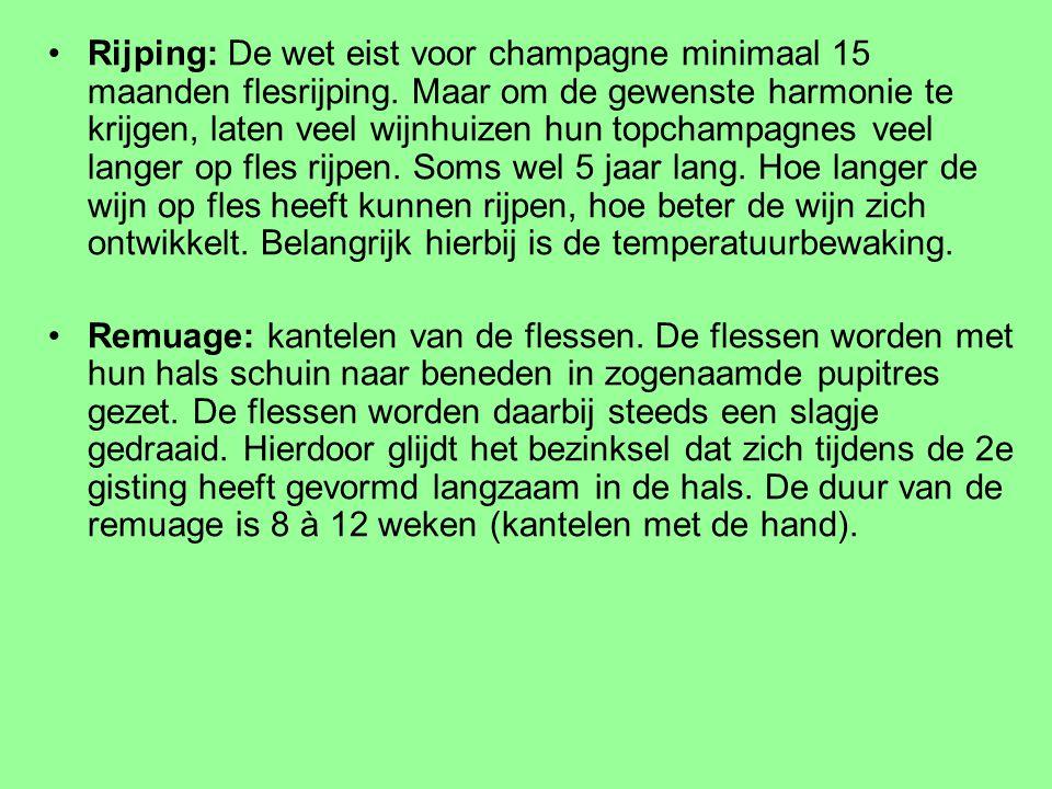 Rijping: De wet eist voor champagne minimaal 15 maanden flesrijping