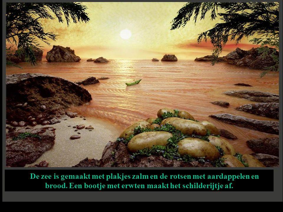 De zee is gemaakt met plakjes zalm en de rotsen met aardappelen en brood.