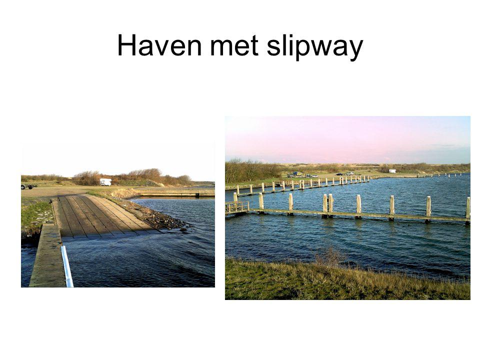 Haven met slipway