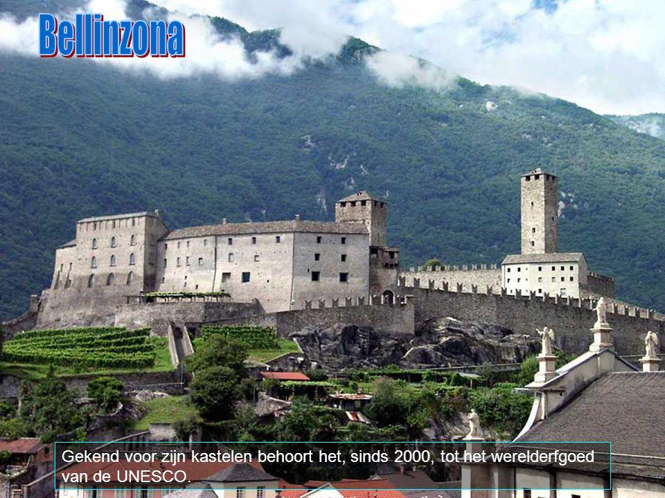 Bellinzona Gekend voor zijn kastelen behoort het, sinds 2000, tot het werelderfgoed van de UNESCO.