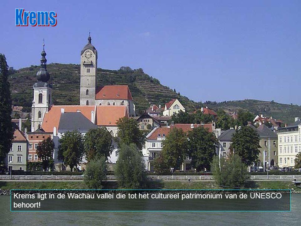 Krems Krems ligt in de Wachau vallei die tot het cultureel patrimonium van de UNESCO behoort!