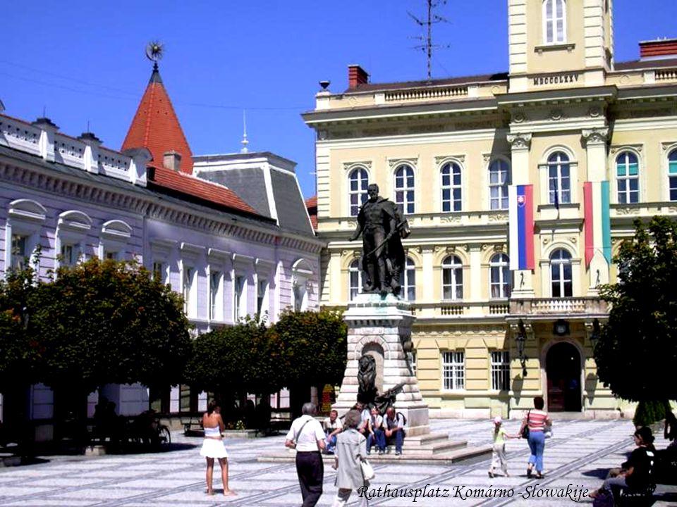 Rathausplatz Komárno -Slowakije.