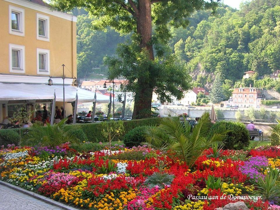 Passau aan de Donauoever.