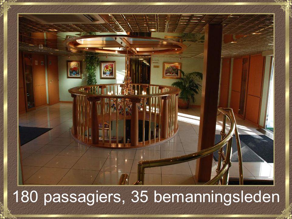 180 passagiers, 35 bemanningsleden