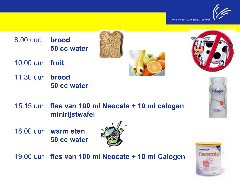 15.15 uur fles van 100 ml Neocate + 10 ml calogen minirijstwafel