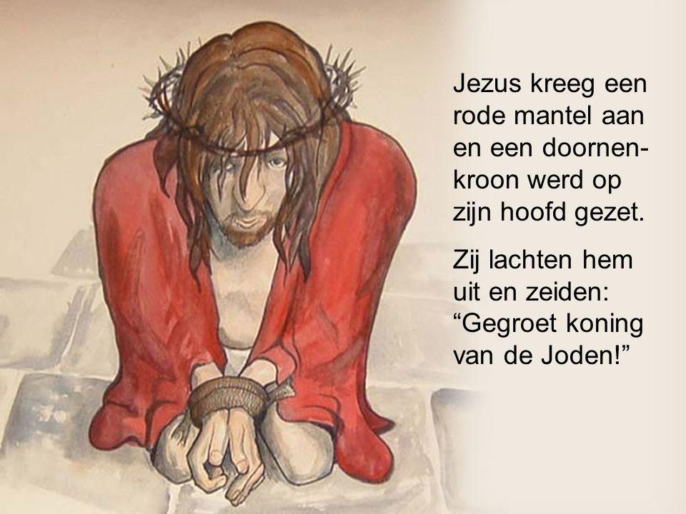 Jezus kreeg een rode mantel aan en een doornen-kroon werd op zijn hoofd gezet.