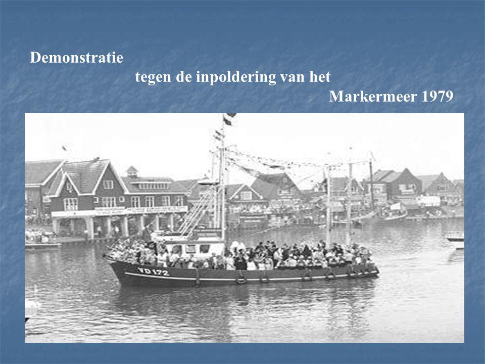 Demonstratie tegen de inpoldering van het Markermeer 1979