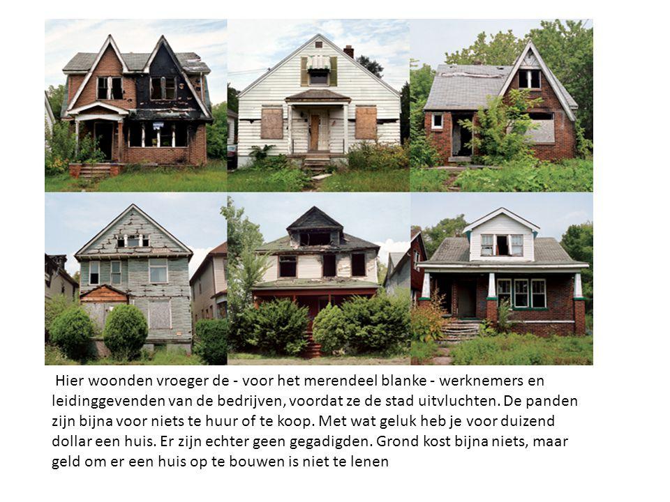 Hier woonden vroeger de - voor het merendeel blanke - werknemers en leidinggevenden van de bedrijven, voordat ze de stad uitvluchten.