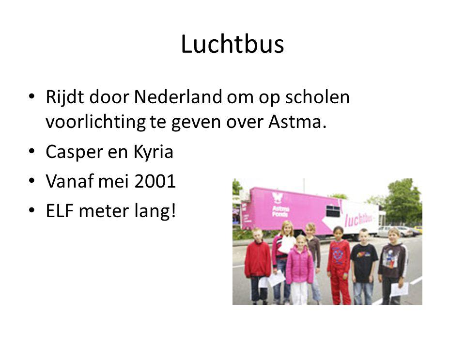 Luchtbus Rijdt door Nederland om op scholen voorlichting te geven over Astma. Casper en Kyria. Vanaf mei 2001.