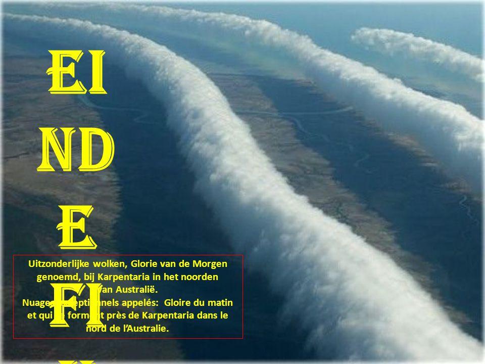 Einde Fin. Uitzonderlijke wolken, Glorie van de Morgen genoemd, bij Karpentaria in het noorden. van Australië.