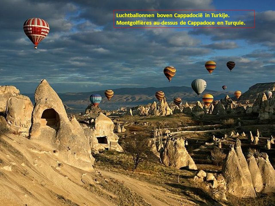 Luchtballonnen boven Cappadocië in Turkije.