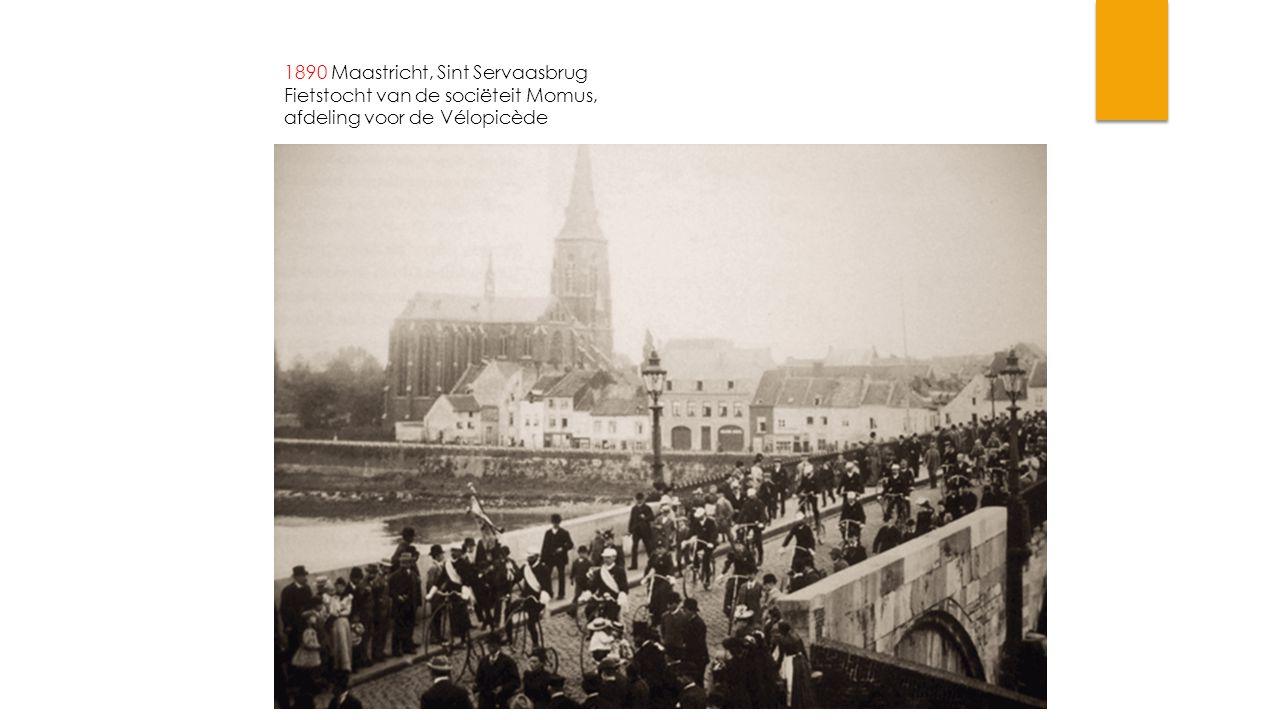 1890 Maastricht, Sint Servaasbrug Fietstocht van de sociëteit Momus,