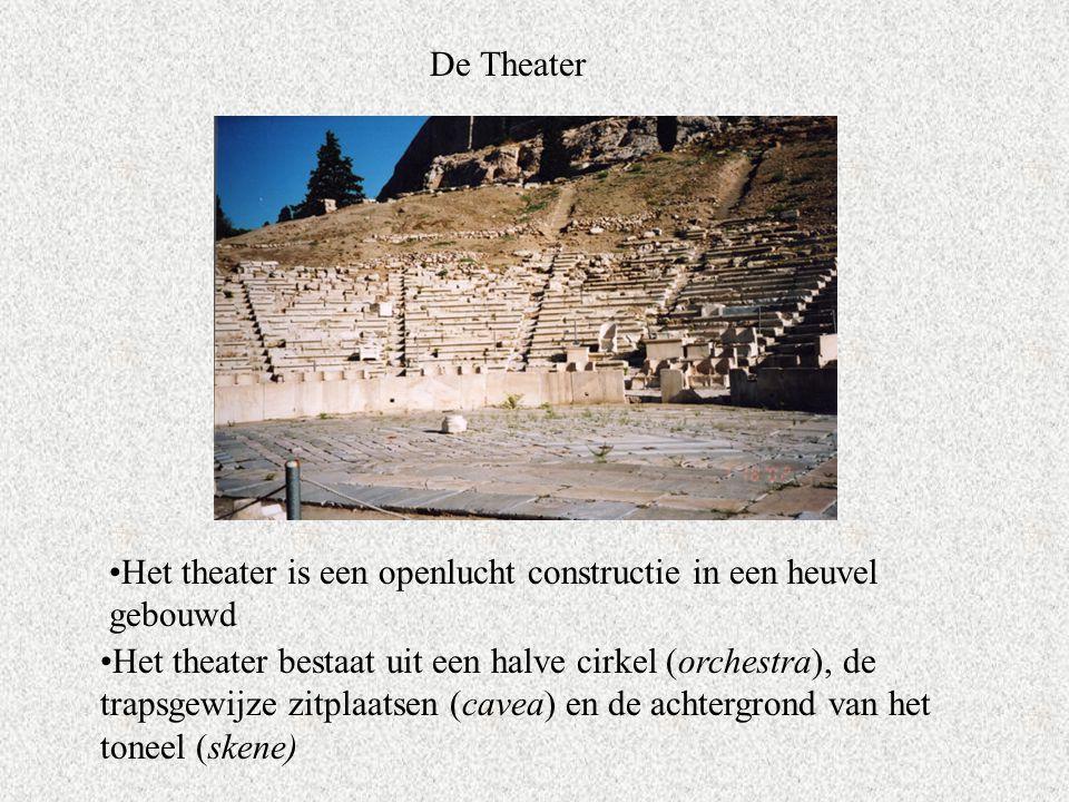 De Theater Het theater is een openlucht constructie in een heuvel gebouwd.