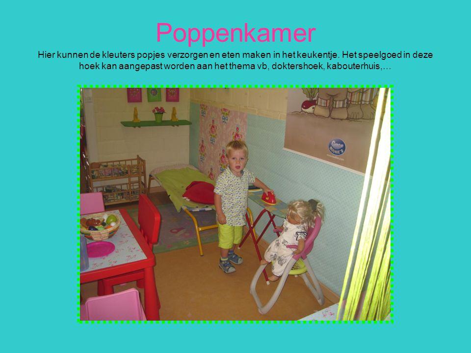 Poppenkamer Hier kunnen de kleuters popjes verzorgen en eten maken in het keukentje.