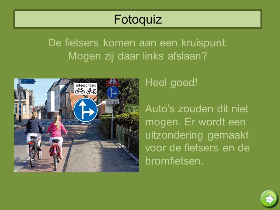 Fotoquiz De fietsers komen aan een kruispunt.
