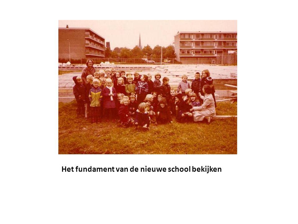 Het fundament van de nieuwe school bekijken